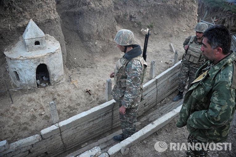 Карабахские военные на первой линии обороны армии обороны Нагорного Карабаха