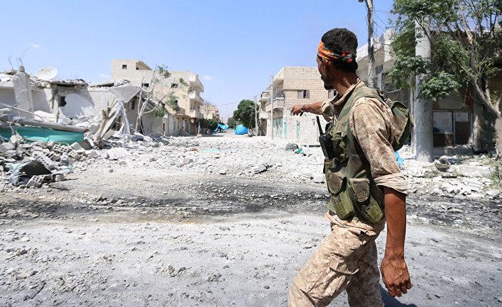 Разрушенная улица в Алеппо
