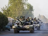 Колонна азербайджанских танков движется в сторону города Агдам