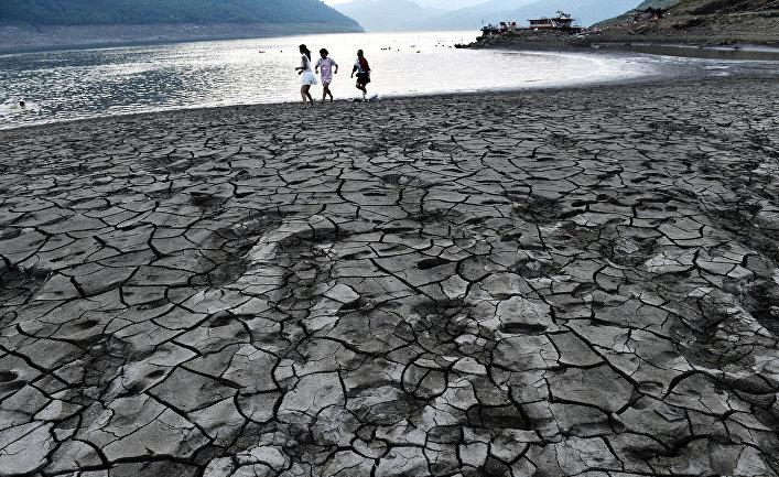 Засуха в районе реки Янцзы в городе Чунцин, Китай