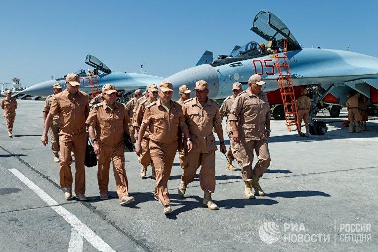 Министр обороны России Сергей Шойгу на авиабазе «Хмеймим»