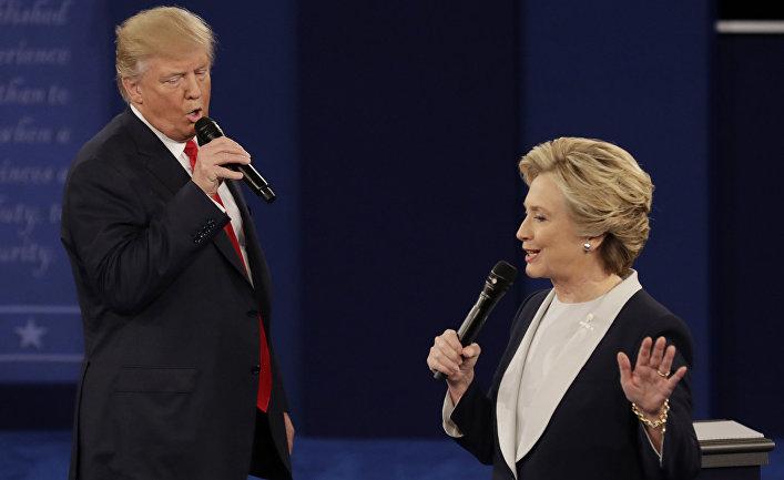 Дональд Трамп и Хиллари Клинтон во время предвыборных дебатов