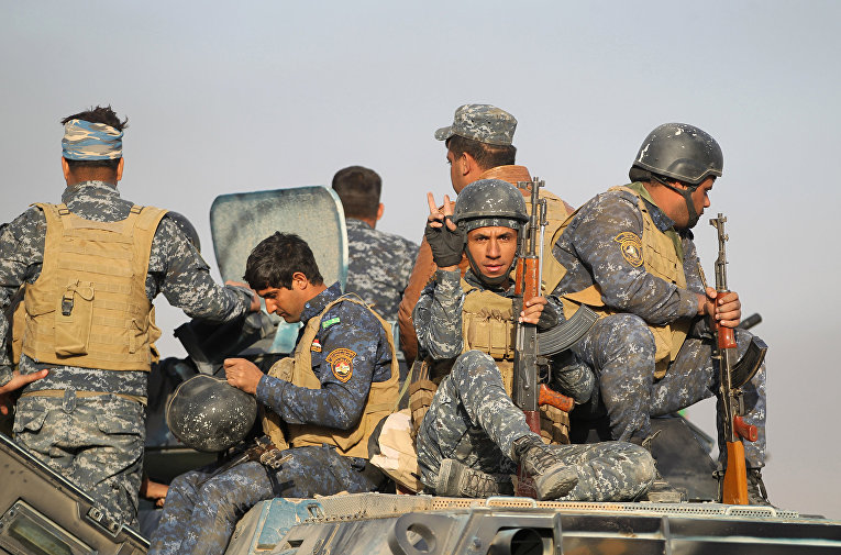Иракские военные направляются к Мосулу