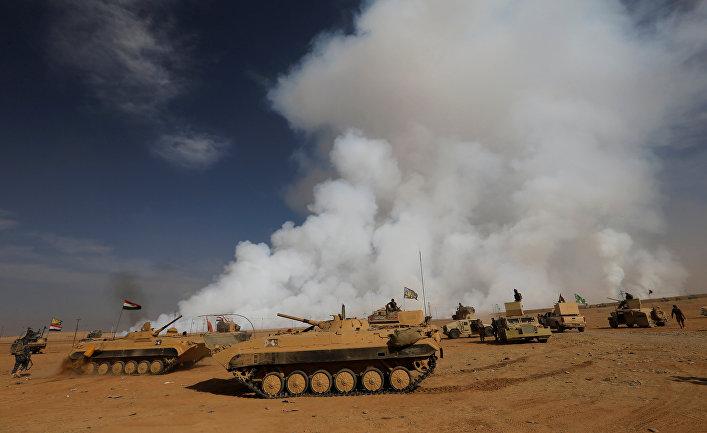 Бронетехника иракский вооруженных сил к югу от Мосула. 21 октября 2016