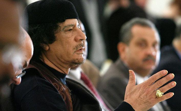 Лидер Социалистической Народной Ливийской Арабской Джамахирии Муамар Каддафи