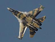 Истребитель ВВС России Су-35