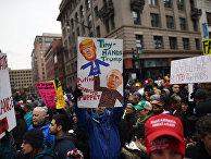 Протесты на улицах Вашингтона во время инаугурации избранного президента США Дональда Трампа. 20 января 2017 года