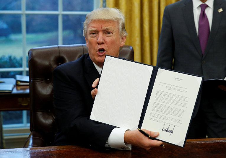 Президент США Дональд Трамп подписал указ о выходе из Транстихоокеанского партнерства