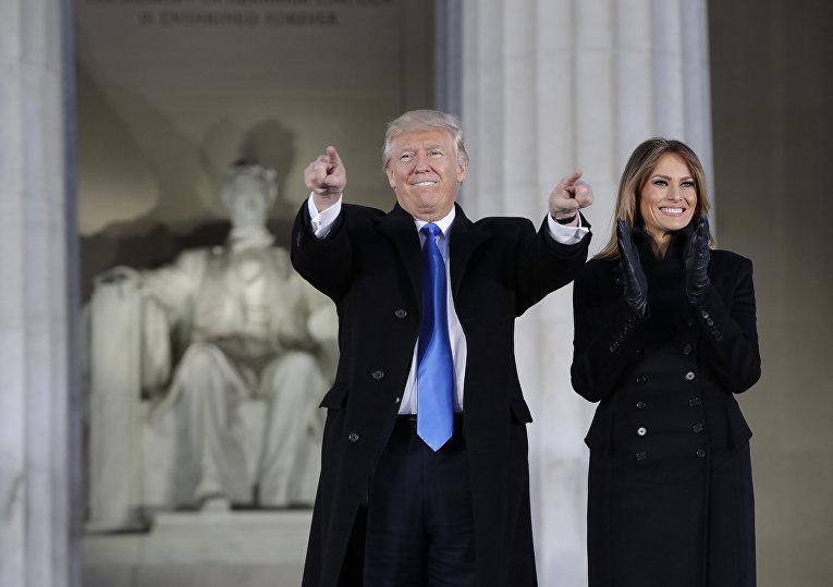 Президент США Дональд Трамп и его жена Мелания Трамп