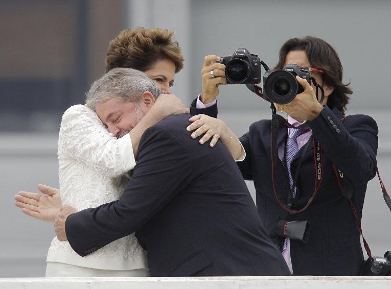 Президент Бразилии Дилма Руссефф и бывший президент Бразилии Лула да Силва, архивое фото
