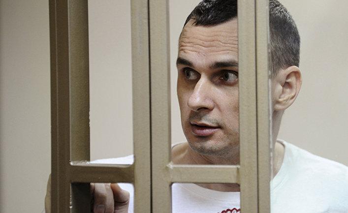 Режиссер Олег Сенцов в зале суда