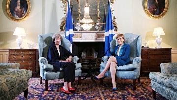 Премьер-министр Великобритании Тереза Мэй и первый министр Шотландии Никола Стерджен