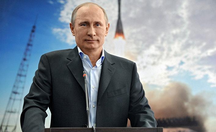 Президент РФ Владимир Путин во время сеанса связи с МКС