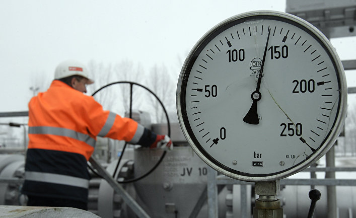Работник газопровода Гронау в Германии