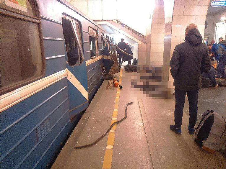 Последствия взрыва в петербургском метро. 3 апреля 2017