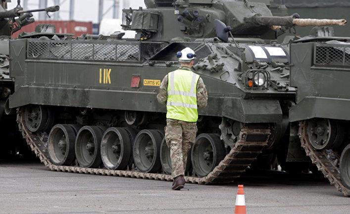 Британская военная техника в Палдиски, Эстония