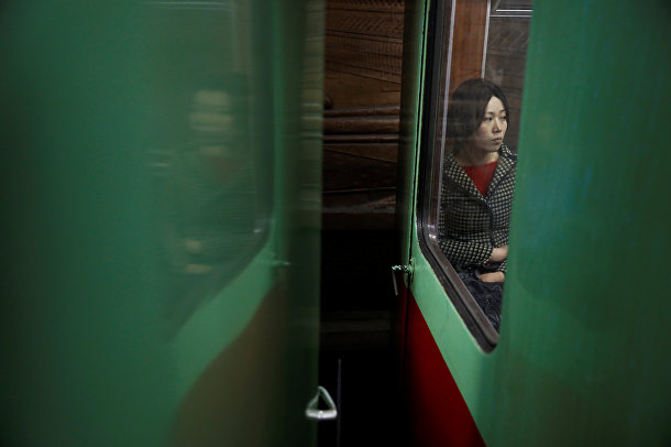 Пассажир в вагоне поезда