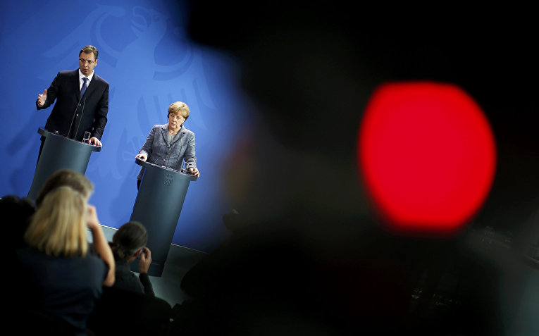 Совместное выступление премьер-министра Сербии Александра Вучича и канцлера ФРГ Ангелы Меркель