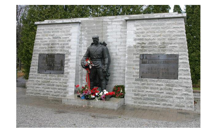 Монумент Воину-освободителю «Бронзовый солдат»