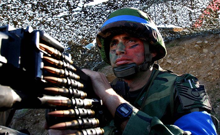 Солдат турецкой армии во время учений