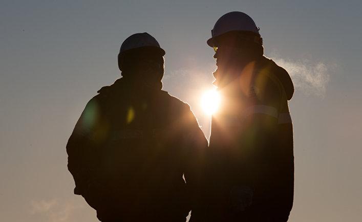 Сотрудники нефтяной компании«Роснефть»
