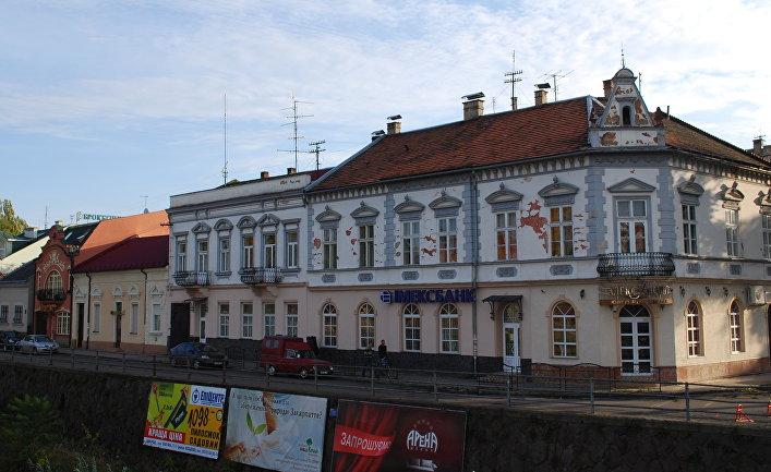 Православная набережная в Ужгороде, Закарпатская обл., Украина