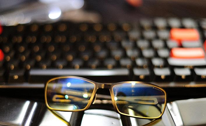 Клавиатура и очки