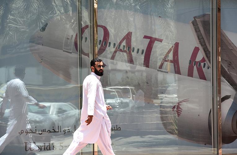 Самолет катарских авиалиний в Эр-Рияде