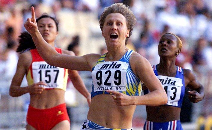 27 августа 1999 года. Людмила Энгквист в полуфинале бега на 100 метров с барьерами на чемпионате мира по легкой атлетике в Севилье