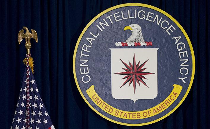 Эмблема ЦРУ в штаб-квартире в Лэнгли