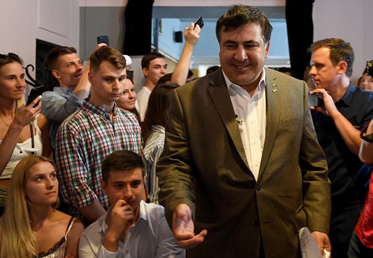 Михаил Саакашвили встречается с гражданами Украины в Варшаве, Польша. 6 августа 2017