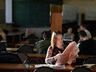 Студенты МГТУ имени Н.Э. Баумана занимаются в зале курсового проектирования