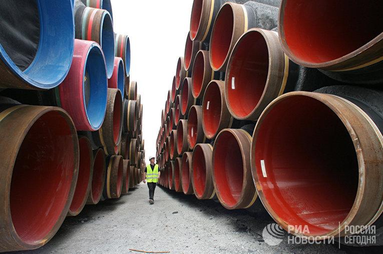 """Подготовка к прокладке труб газопровода по дну Балтийского моря в рамках реализации проекта """"Северный поток"""" в порту Висбю на острове Готланд"""