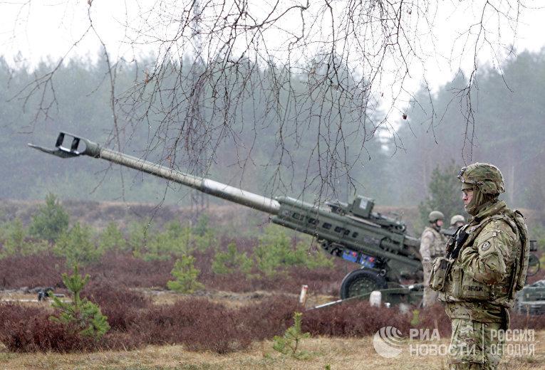 Военнослужащие блока НАТО на полигоне Адажи в Латвии