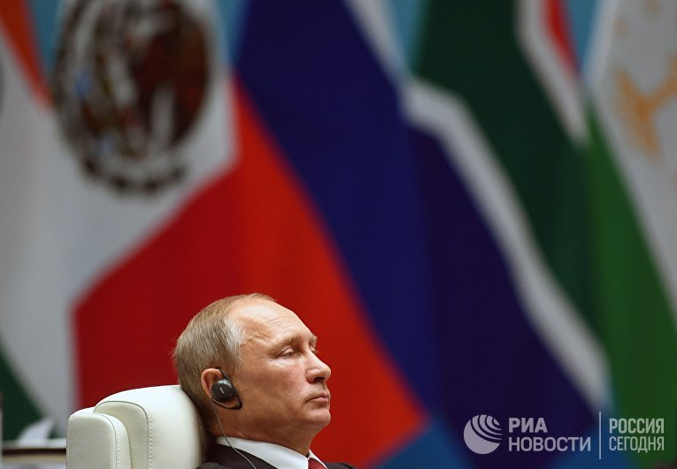 Президент РФ Владимир Путин во время встречи лидеров БРИКС