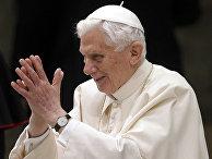 Папа римский Бенедикт XVI в Ватикане