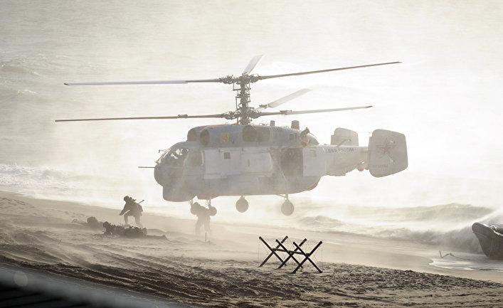 """Вертолет во время российско-белорусских учений """"Запад-2013"""""""