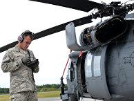Проверка вертолета перед военными учениями
