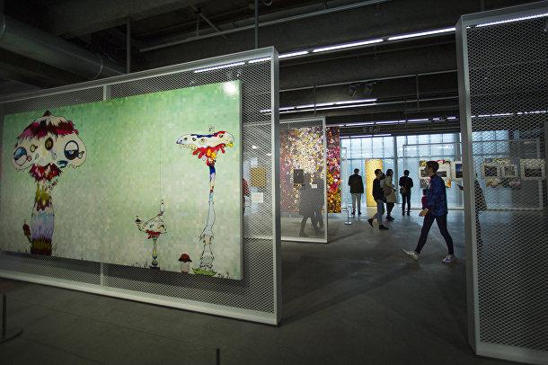 Выставка японского художника Такаши Мураками в Музее современного искусства Гараж в Москве