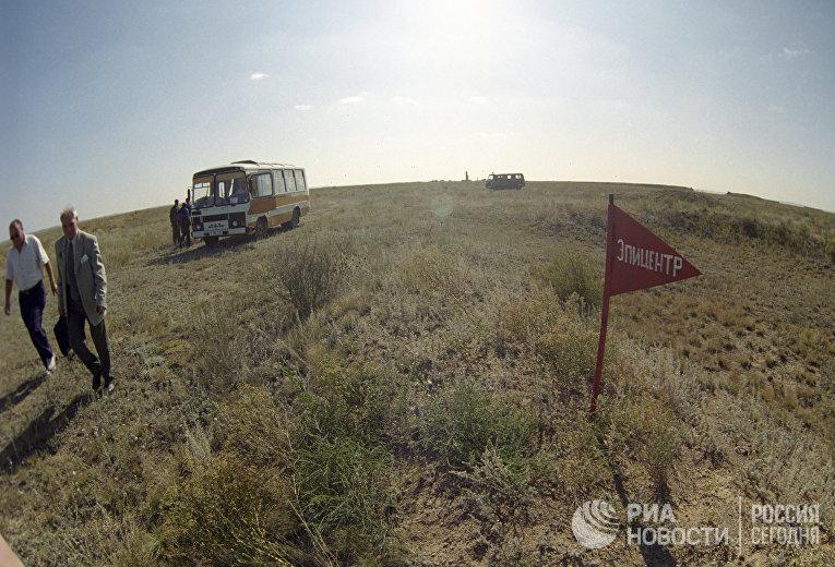 Открытое поле Семипалатинского ядерного полигона в Казахстане, где в 1961 году впервые был произведен наземный взрыв советской атомной бомбы