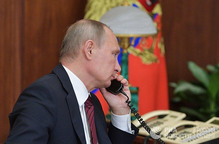 Президент РФ В. Путин провел телефонный разговор с главами ДНР А. Захарченко и ЛНР И. Плотницким