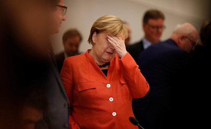 Ангела Меркель во время заседания парламентского блока ХДС/ХСС в бундестаге. 20 ноября 2017