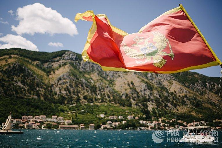 Вид на город Котор и Которский залив в Черногории