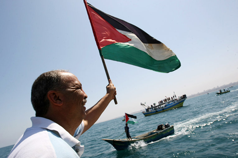"""Жители Палестины приветствуют """"Флотилию свободы"""". 2010 год"""