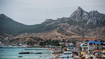 Побережье Черного моря в Коктебеле