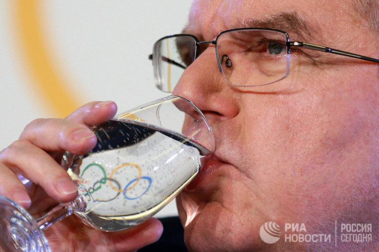 Президент Международного олимпийского комитета Томас Бах на пресс-конференции по итогам заседания исполкома МОК в Лозанне. 6 декабря 2017