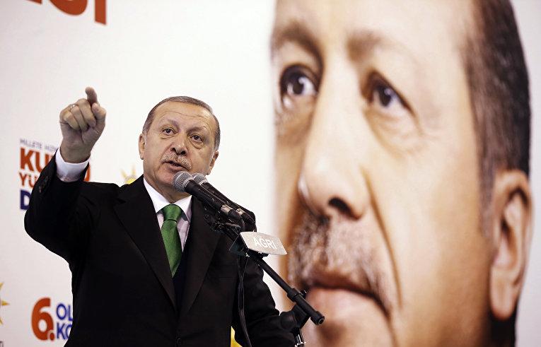 Выступление президента Турции Реджепа Тайипа Эрдогана перед активистами правящей Партии справедливости и развития,Агры. 3 декабря 2017