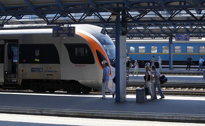 Железнодорожный вокзал в Киеве, Украина