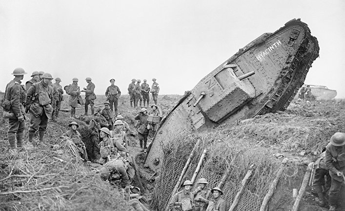 Британский тяжёлый танк «Марк IV» (Mark IV) во время битвы при Камбре