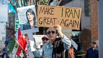 Митинг в поддержку антиправительственных протестов в Иране в Лос-Анджелесе, США